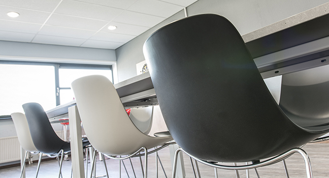 nieuwe-kantoorinrichting-bij-matex-deuren-bv
